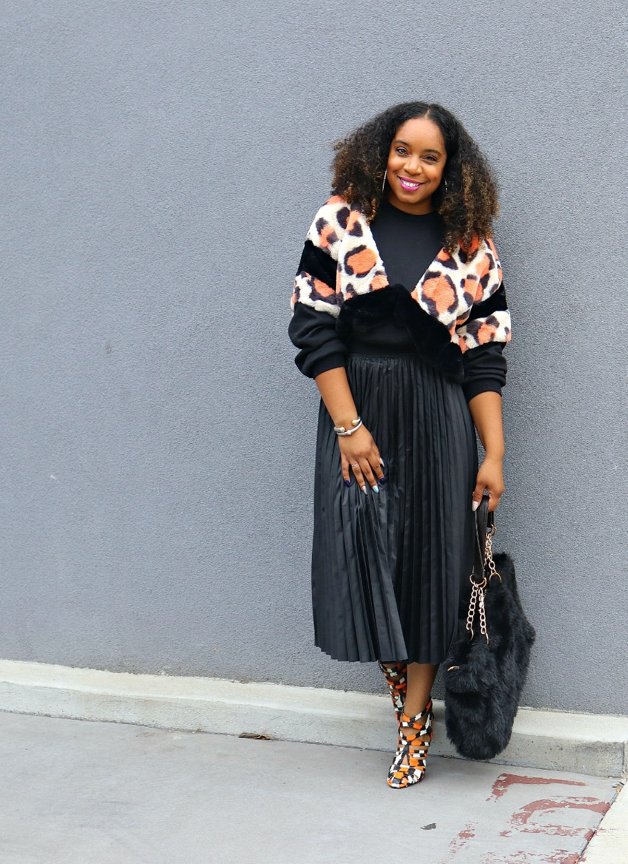 Pleated Leather look skirt