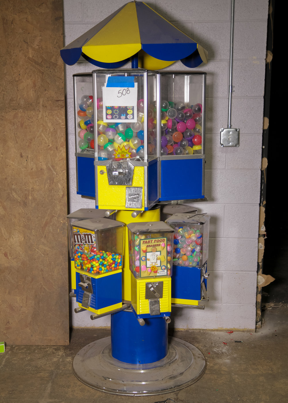 Coin-Op Candy/Toy Dispenser Carousel