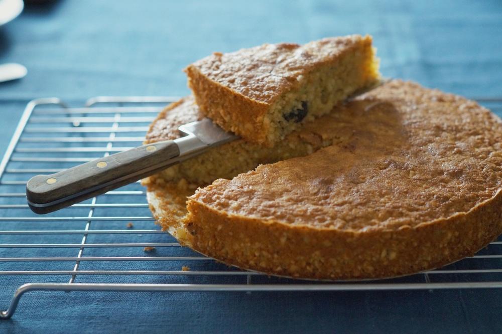 almond cake 1.jpg