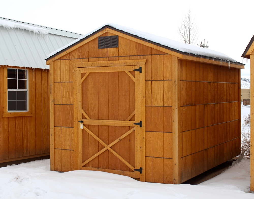 The Economy shed comes with your choice of a shingle roof or metal roof.