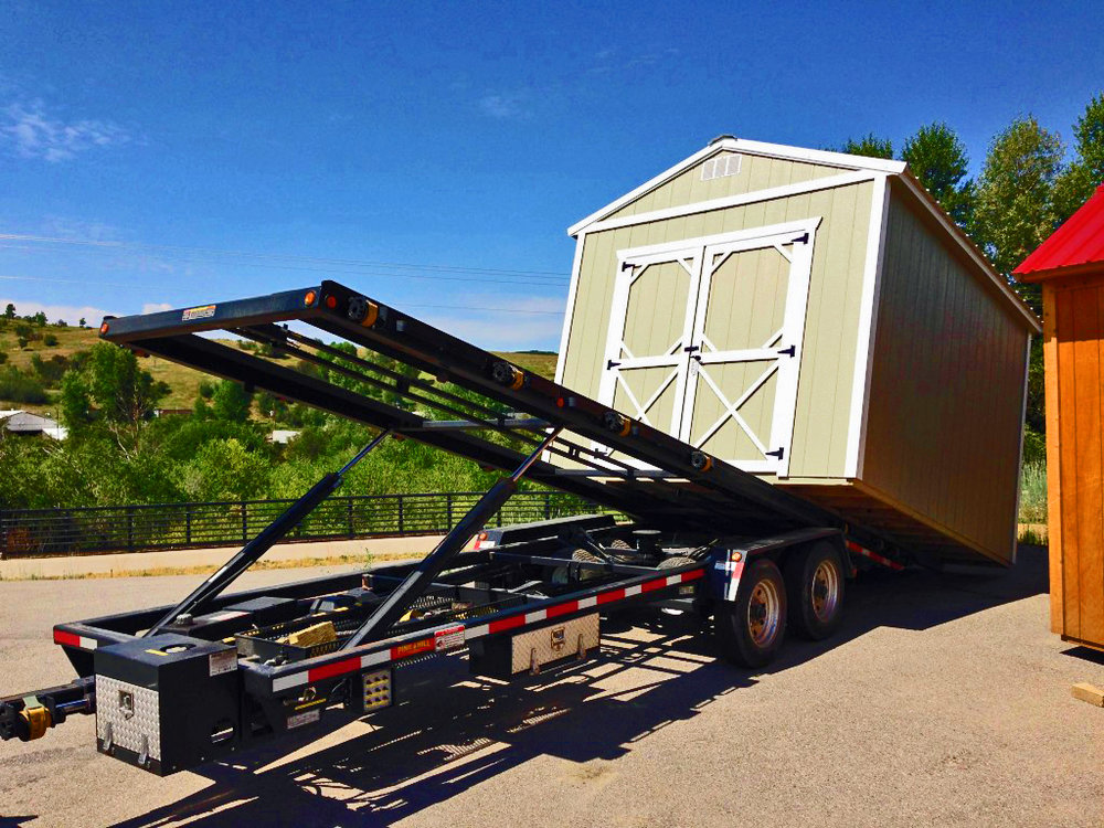 Unloading a building - Cumberland Buildings and Sheds