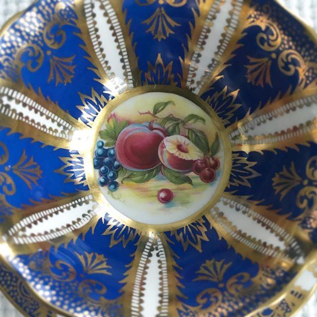 Plate or teacup? 🧐