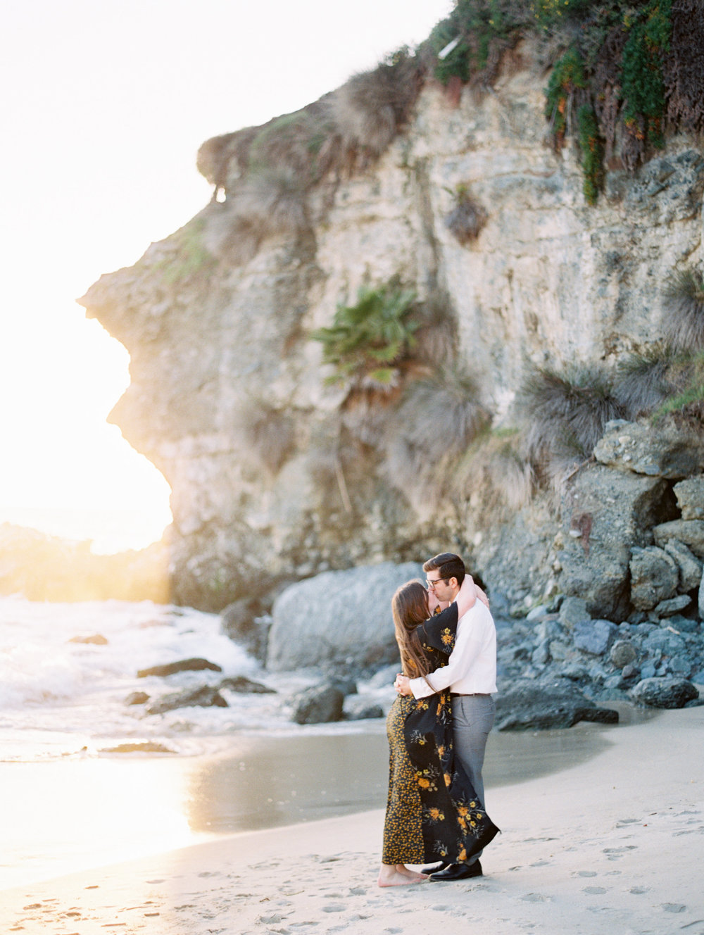 BEACH PROPOSAL  |  MALLORY DAWN PHOTO  |  THEATER 10 WEDDING FILMS  |  ENGAGEMENT PHOTOS AND VIDEO