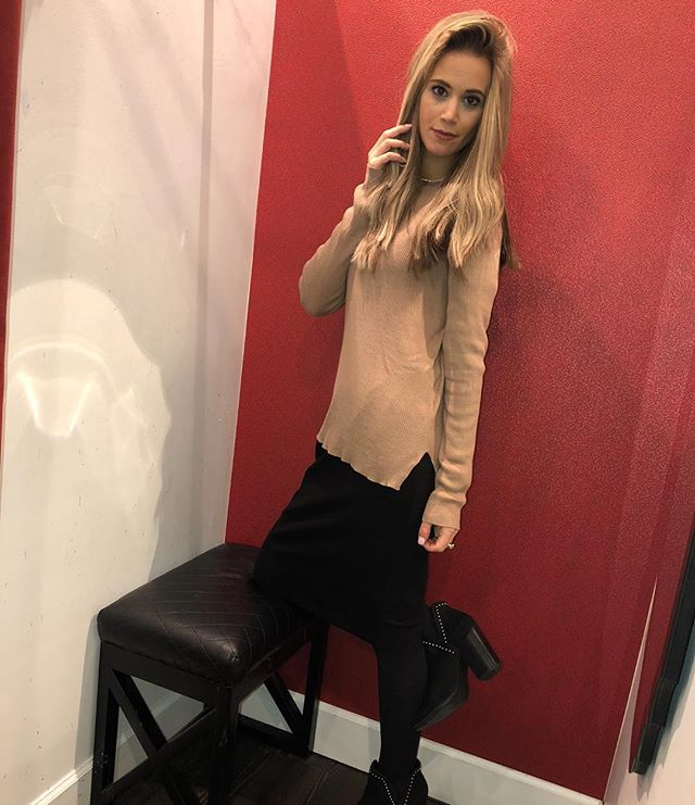 Mirror mirror on the wall.... @melibasics high low sweater