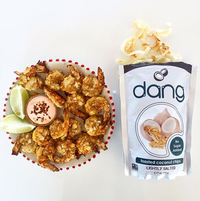 In need of #NYE party appetizers? Make #coconut shrimp using @dangfoods #coconut chips. This way you can at least pretend you're somewhere warm and tropical while ringing in the #newyear 🍤🥥🥂 Dang, that's good!