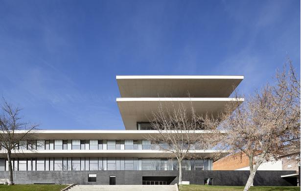 MULTIPURPOSE BUILDING Sánchez Gil Arquitectos Salamanca, Spain, 2013