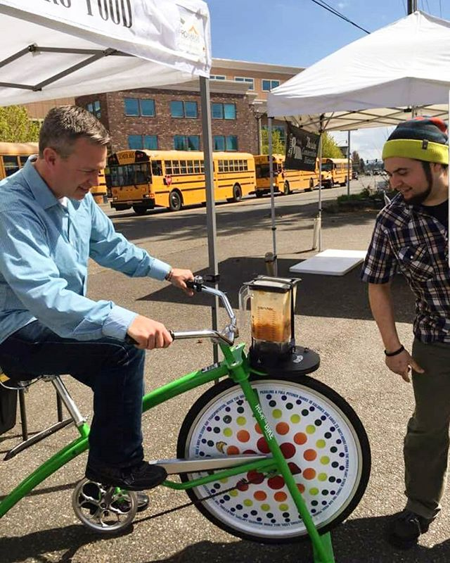 What a beautiful day to kick off our Farmers Market season! Smoothie bike and all!! 🚴‍♂️ Find us weekly every Tuesday at the Tumwater Farmers Market from 10-2pm and Saturdays from 9-2pm at the Puyallup Market!  #farmersmarket #supportlocal #localmarket #localbusiness #smoothiebike #blenderbike #rawfood #rawvegan #excercise #tumwater