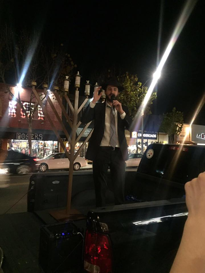 Melrose Menorah Lighting 10.jpg