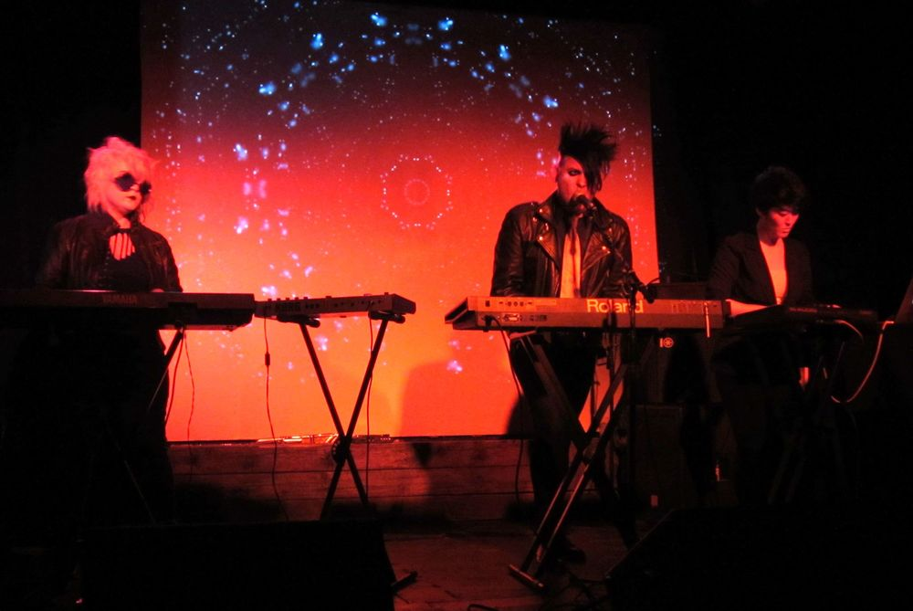Live visuals for ZAS  CMJ Show at Black Bear Bar // Brooklyn NY // Oct 2014