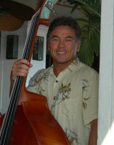 JOE KINGSTON. A solo musician/vocalist that has been performing in Hawai'i for many years at hotels, bars, lounges, restaurants, conventions, inter-island cruise ships and dinner cruises. He also does tours to Japan and California. Joe plays guitar, ukulele and bass, and enjoys performing various styles of music, including swing, rock, oldies, standards, and Hawaiian. Performing Thursdays and Saturdays.