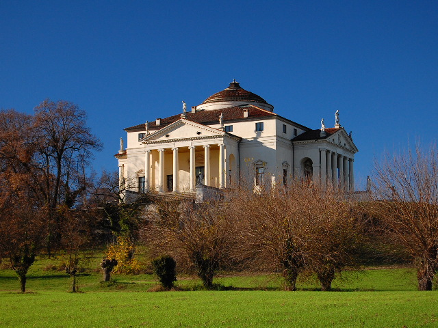 Villa La Rotonda in Vicenza by Marco Bagarella. Photograph courtesy Wikimedia Commons, CC BY-SA 3.0.