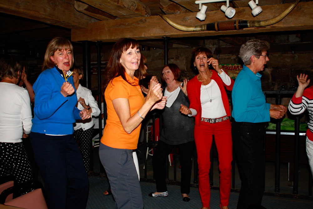 sv-hh-dancing.jpg