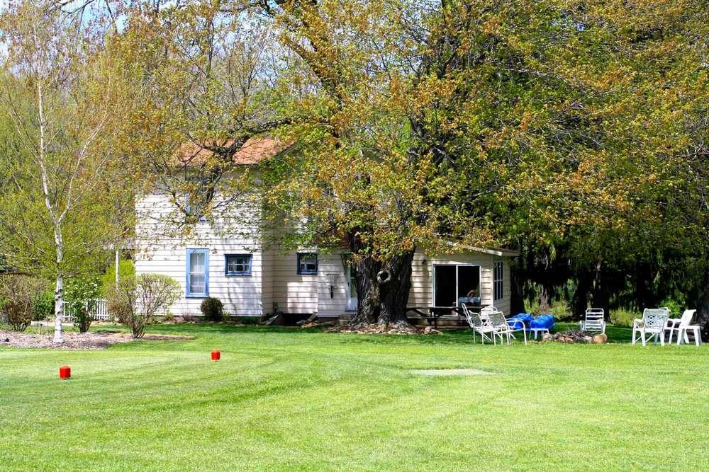 sv-farmhouse-exterior.jpg