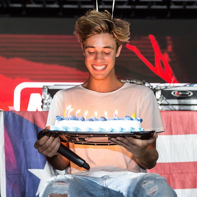 HAPPY BIRTHDAY, @CameronDallas! We hope your day is filled with lots of laughs and cake (that gets shoved in your face)! #23 😂🎉