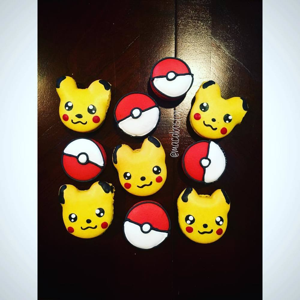 Pikachu & Pokeballs!