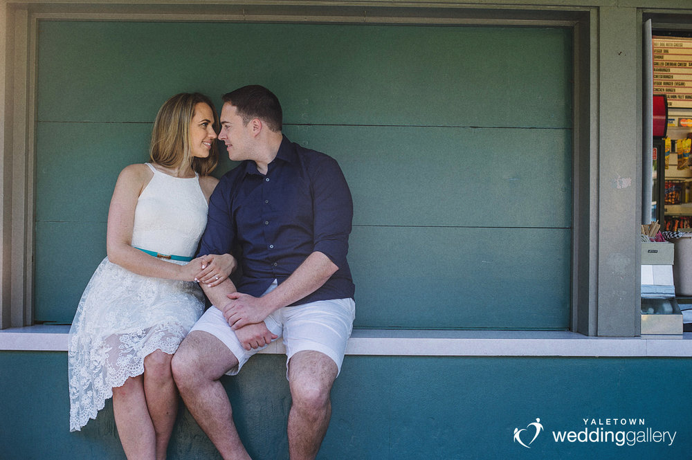 Yaletown-Wedding-Gallery-Vancouver-Engagement-Session-Stanely-Park-photo