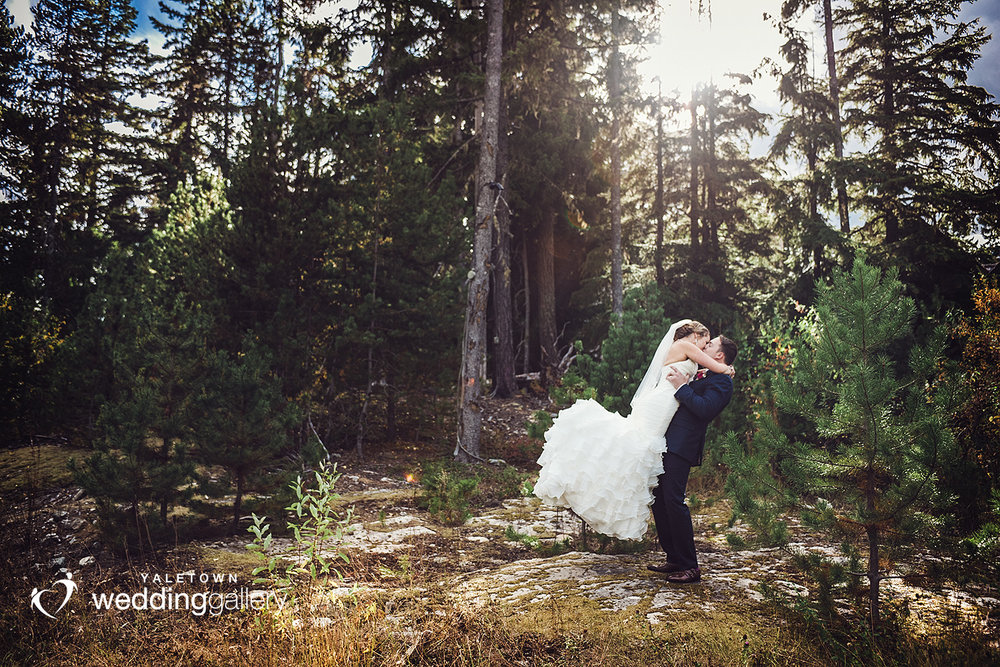 whistler-wedding-nita-lake-lodge-yaletown-wedding-gallery-yaletown-photo-