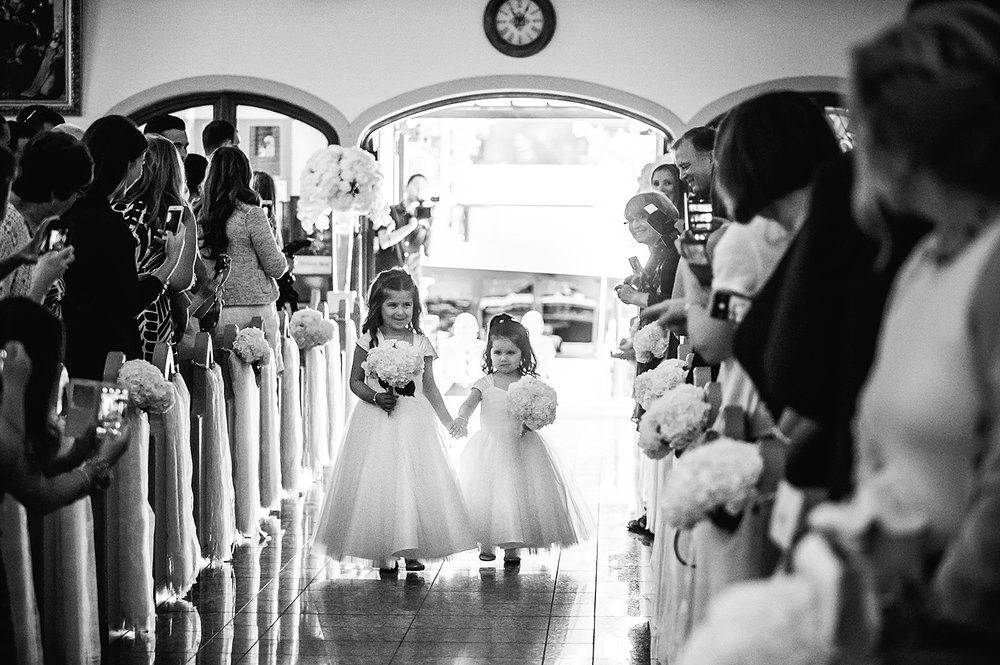 flower-girls-wedding-ceremony-st-francis-of-assisi-vancouver-wedding-yaletown-photography-photo