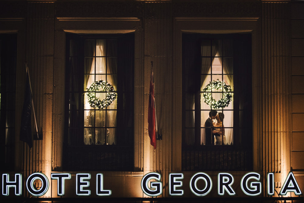 bride-and-groom-evening-reception-vintage-christmas-vancouver-wedding-rosewood-hotel-georgia-yaletown-photography-photo
