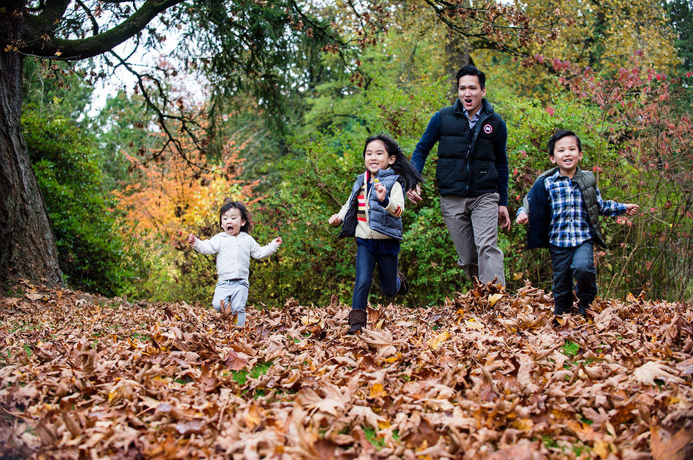 family-portraits-fall-sessions-vancouver-portrait-yaletown-photography-photo