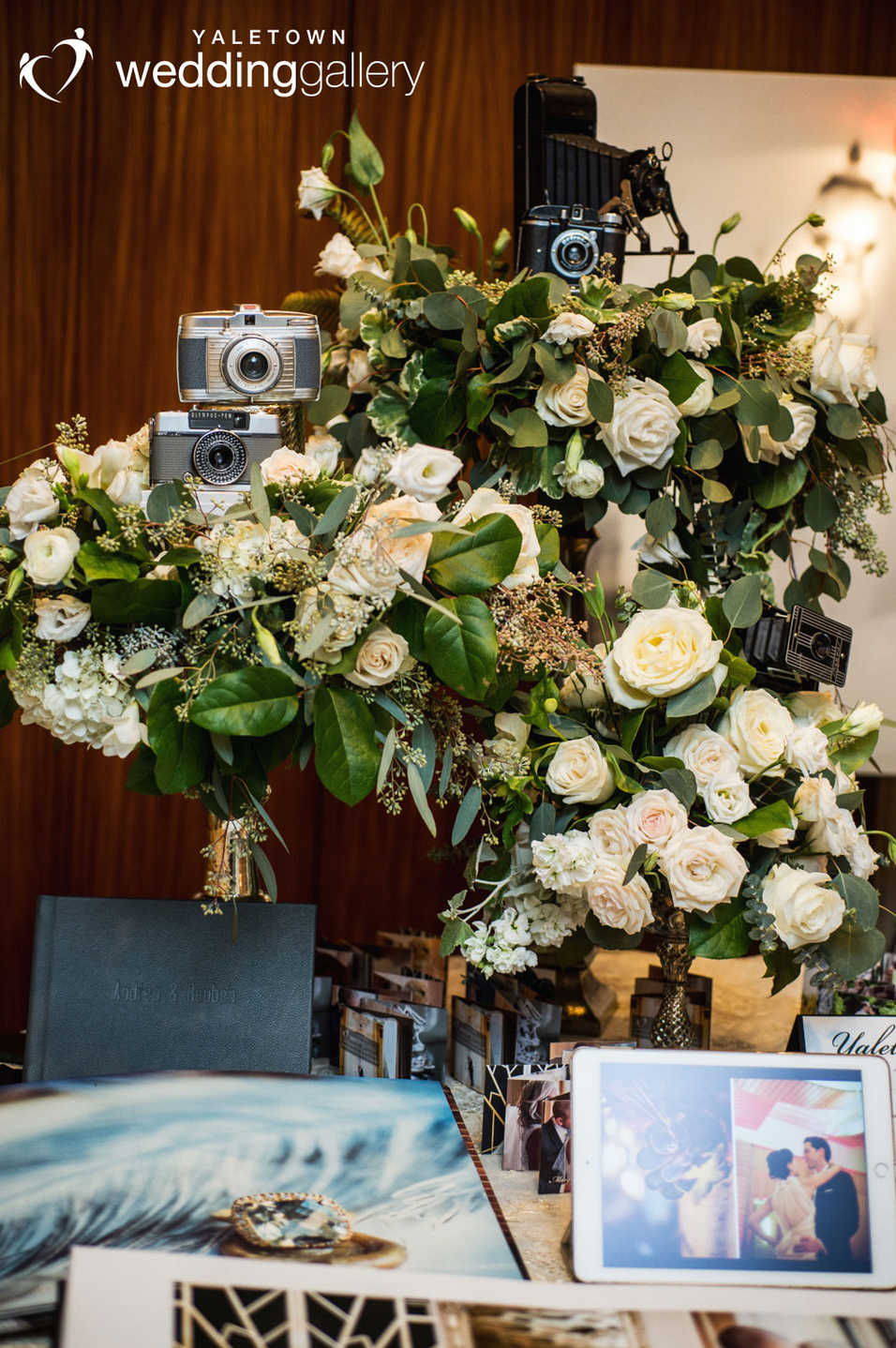 Cremeshow-2015-yaletown-wedding-gallery-table-display-floral-display-photography-display-photo