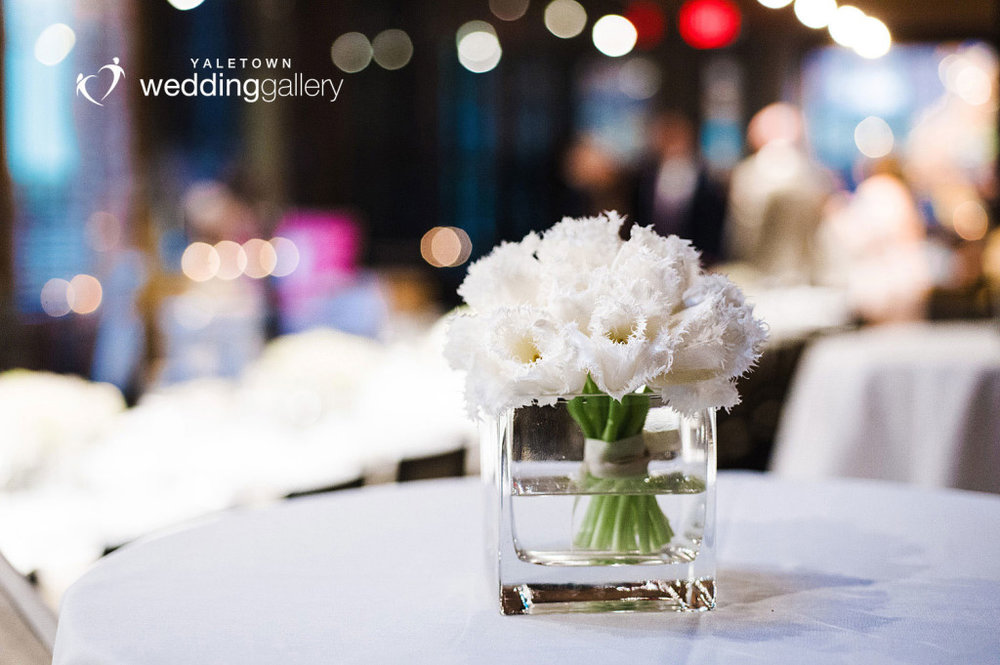 labbatoir-restaurant-wedding-photo-yaletown-photography-vancouver-wedding-photographer-23