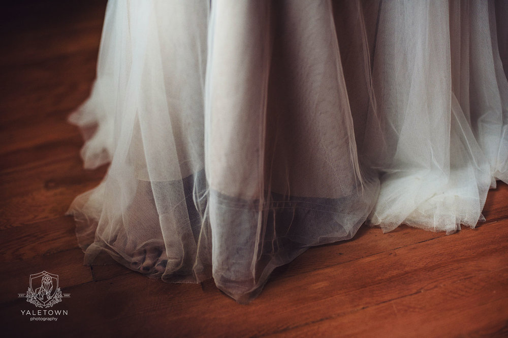 yaletown-photography-bride-bridal-dress-detail-photo