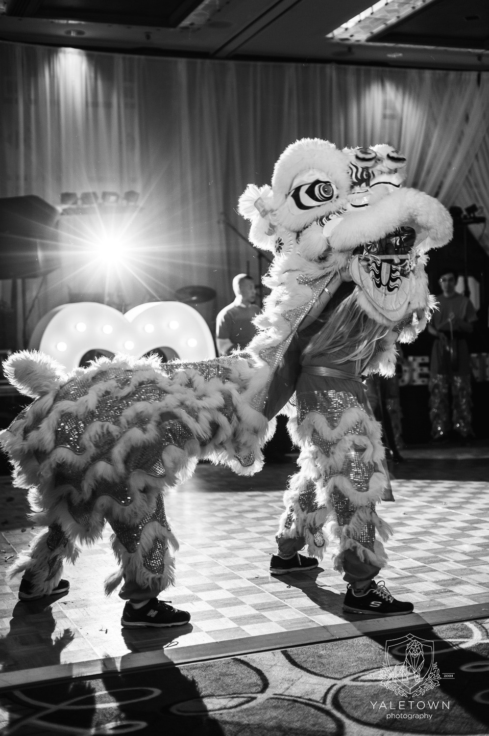 chinese-lion-dance-four-seasons-hotel-vancouver-wedding-yaletown-photography-photo-40.JPG