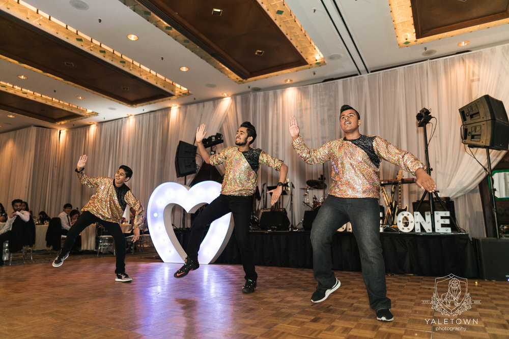 bollywood-dancers-four-seasons-hotel-vancouver-wedding-yaletown-photography-photo-42.JPG