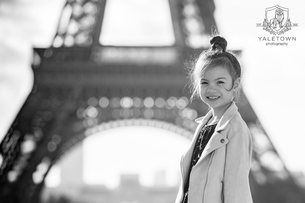 09-paris-family-portrait-session-eiffel-tower-pont-neuf-yaletown-photography-photo.jpg