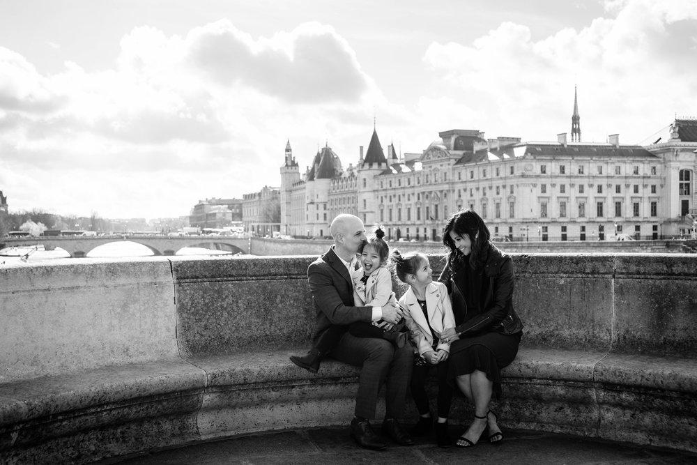 Paris-family-portraits-pont-neuf-portraits-yaletown-photography-photo