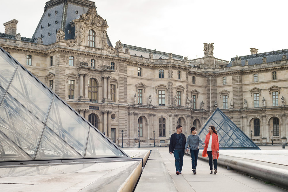Paris-family-portraits-louvre-museum-portraits-yaletown-photography-photo