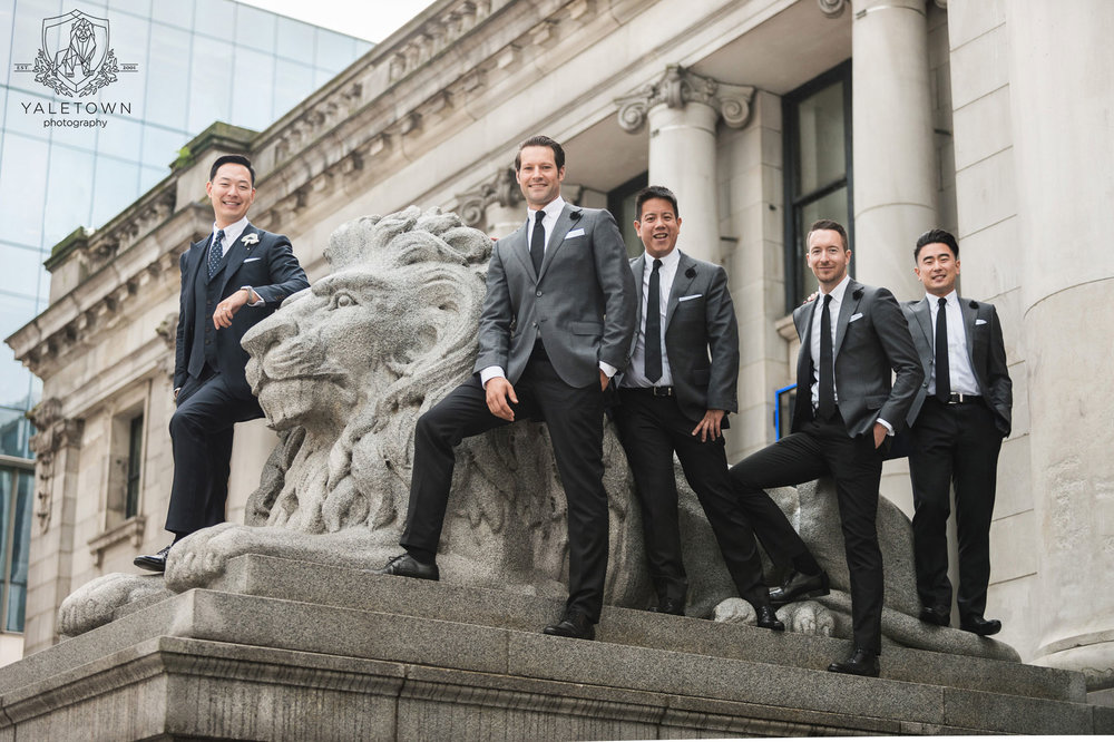 Vancouver-Art-Gallery-Yaletown-Photography-groomsmen-photo