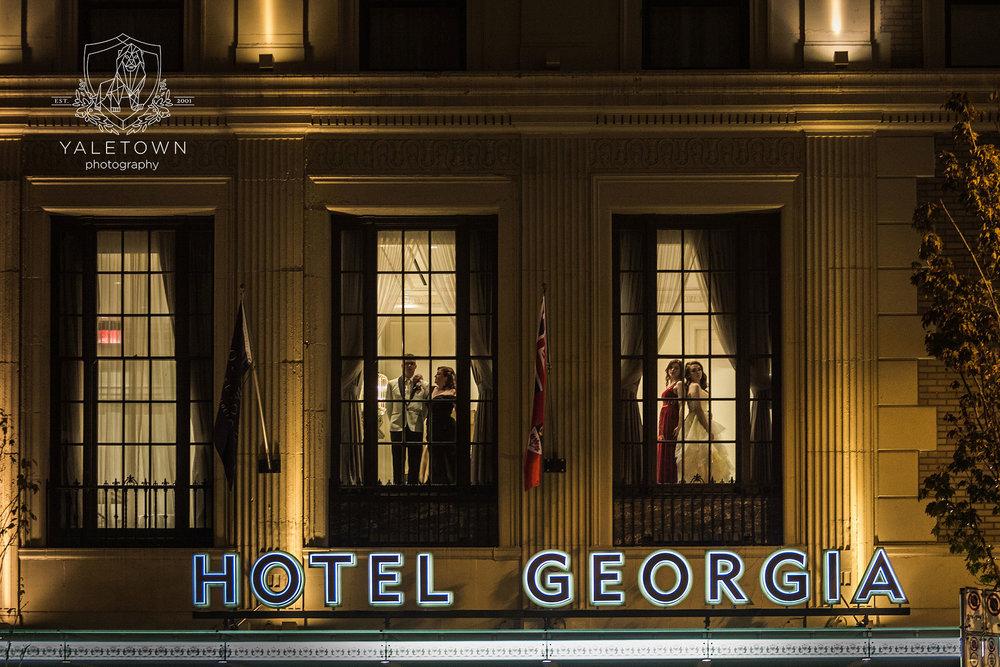 43_Family-Ceremony-Rosewood-Hotel-Georgia-Vancouver-Family-Photographer-Yaletown-Photography-Photo.jpg