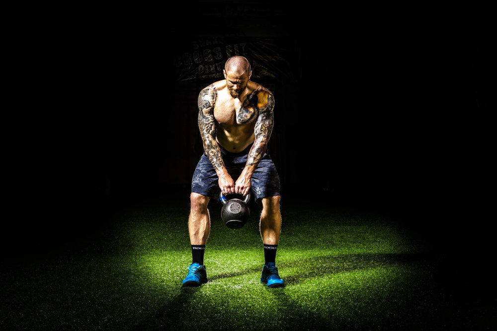 Alternating kettlebell swing