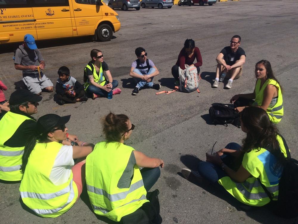 Tägliches Meeting der Volunteers um 11.00 Uhr