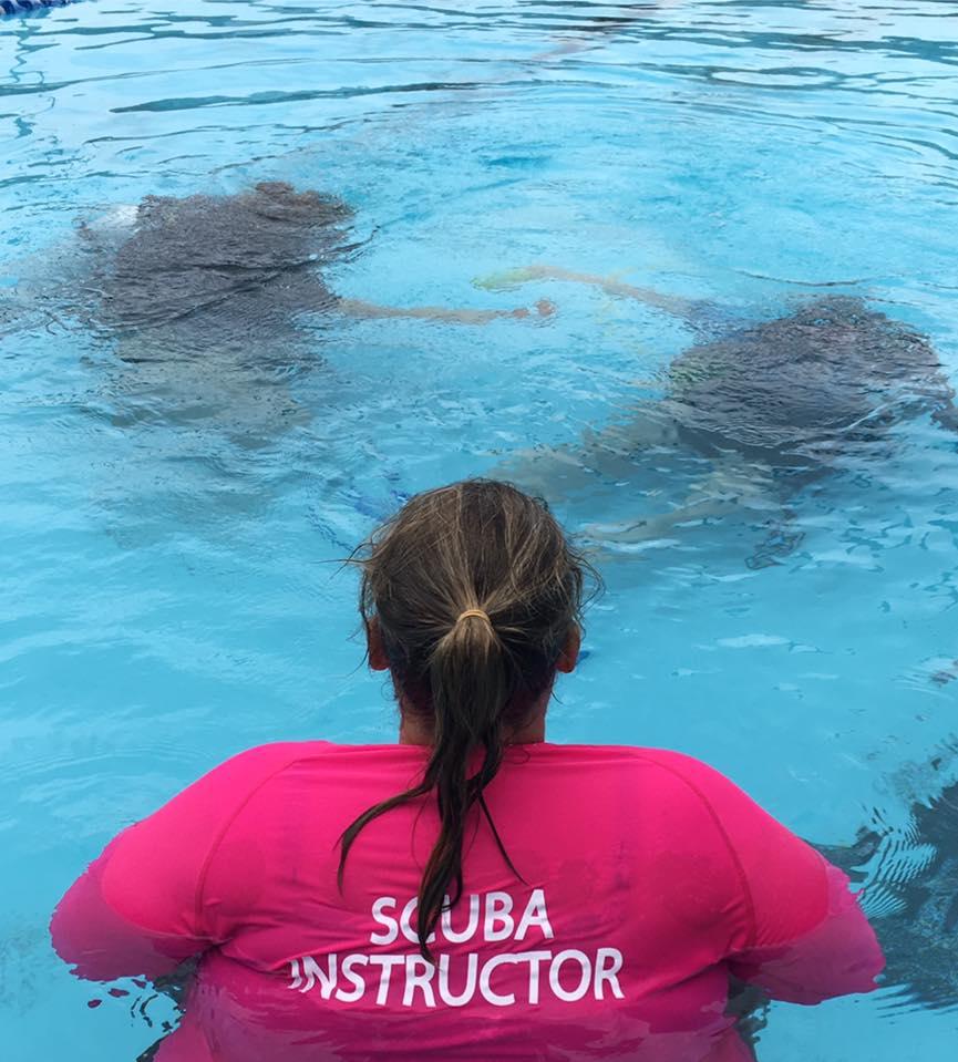 Kids scuba instructor