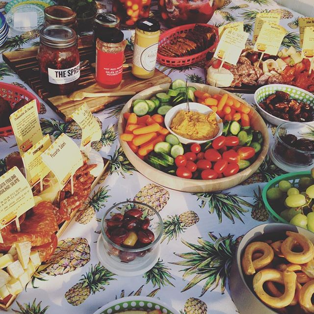 Dreaming of Tuesdays park spread courtesy of @lindaleighlove and @boathousethebeautiful 🧀🍷🥗 . . #thatsthespread #trinitybellwoods #cheeseboutique #summernights #dusk #hotsauceoneverything #arbol #goodthingsgrow #feast #hostesswiththemostest