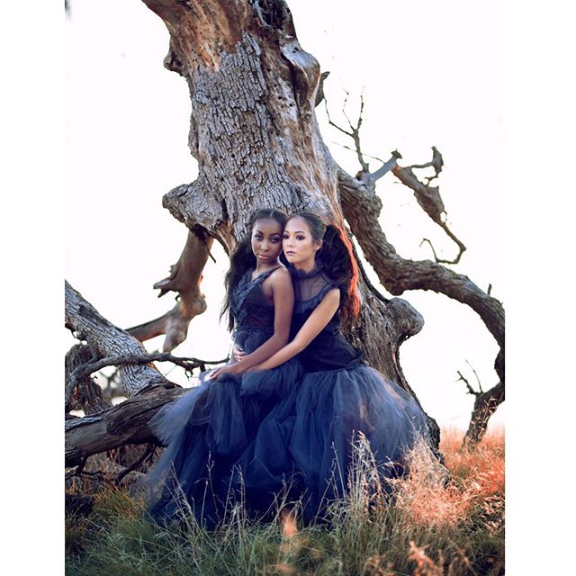 It was a pleasure working with such amazing and talented people. Thank You everyone who took their time out to collaborate with Blia and I❤️ . .  Models: @yasmeenhull @helloitsaliceagain  HMUA: @hleemoua  Designer: @blushingqu3en  Photographer: @hleemoua  www.hleemouaartistry.com . . #hleemouaartistry #editorialphotography #fashionphotography #editorialmakeup #fashiondesigners #fresnocalifornia #atlantamakeupartist  #atlantahairstylist #millertonlake #atlantaphotographer #blueasthetic #darkaesthetic #fashionmakeup #couturefashion #californiamodel #atlantamodels #beautifulwomen #beautifulsoul
