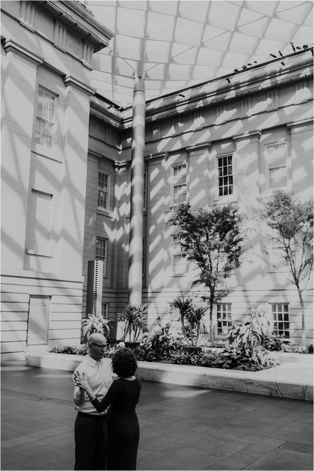 DC National Portrait Gallery maternity photography session_BECCA OLCOTT PHOTOGRAPHY