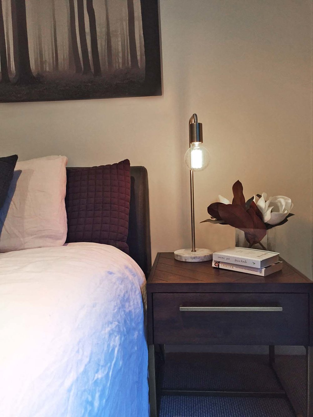 New bedside tables and lamps