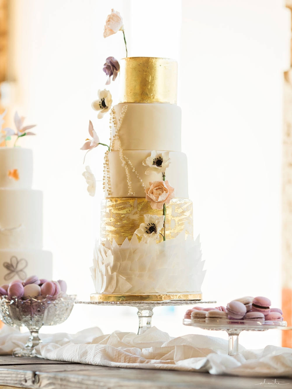 www.alantephotography.com | Anemone and metallic wedding cake from Lilac Cake Boutique | Alante Photography