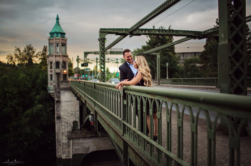 Montlake Bridge Seattle Engagement with Alante Photography | www.alantephotography.com