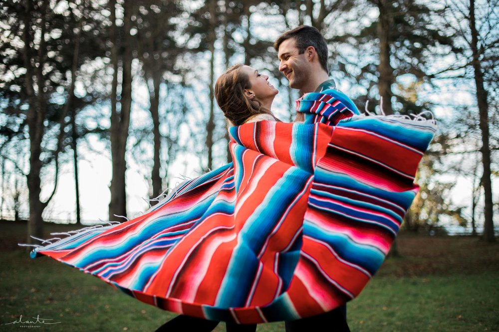 Colorful Blanket Prop in Seattle Engagement Photos by http://www.alantephotography.com
