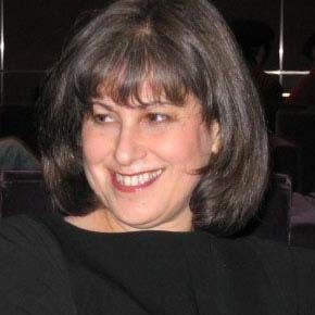 Photo of Lynn Gumpert