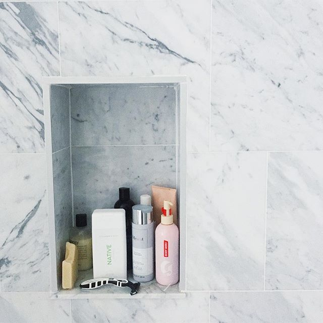 The life-changing magic of a built-in shower shelf 💫