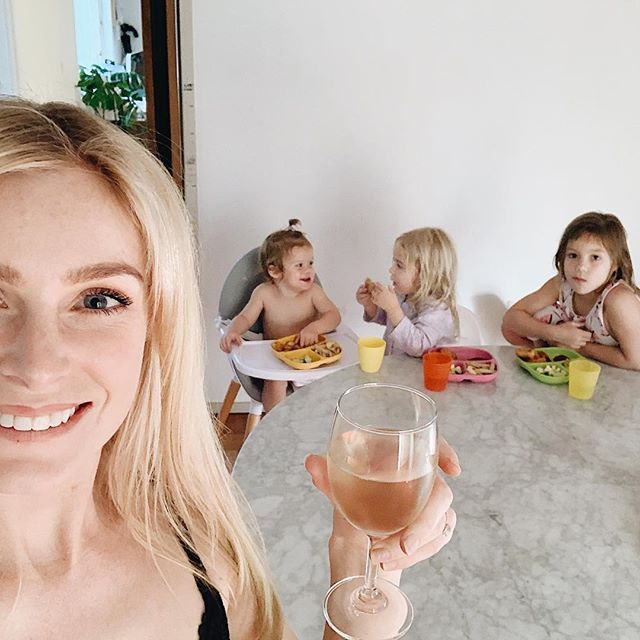 I nailed Mum life after 3:30 today —— This is what, I did 💁🏼‍♀️ Ballet after school- done • House is spotless • homework- done• lunches are made for tomorrow • kids are showered and now eating dinner 💁🏼‍♀️ I think... this Mum deserves a glass of wine 😜 just waiting for my Christmas tree to arrive @the_real_dads_of_melbourne 🤣