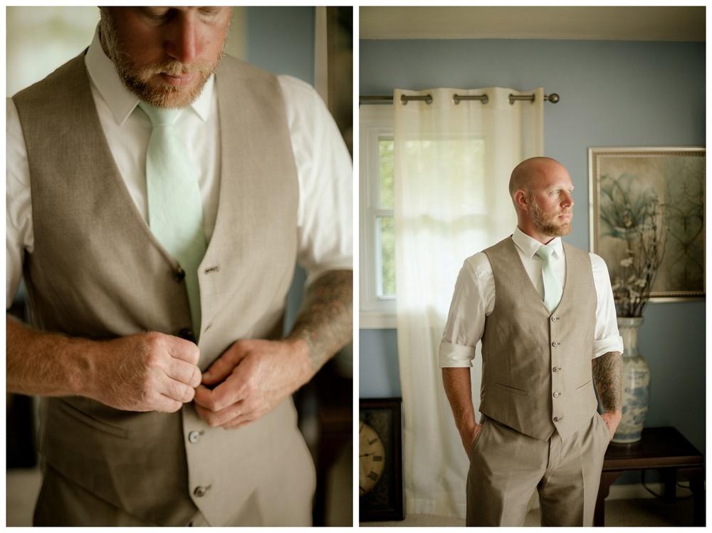 Cleveland Wedding Photographers - Alyssa and Steve_0017.jpg