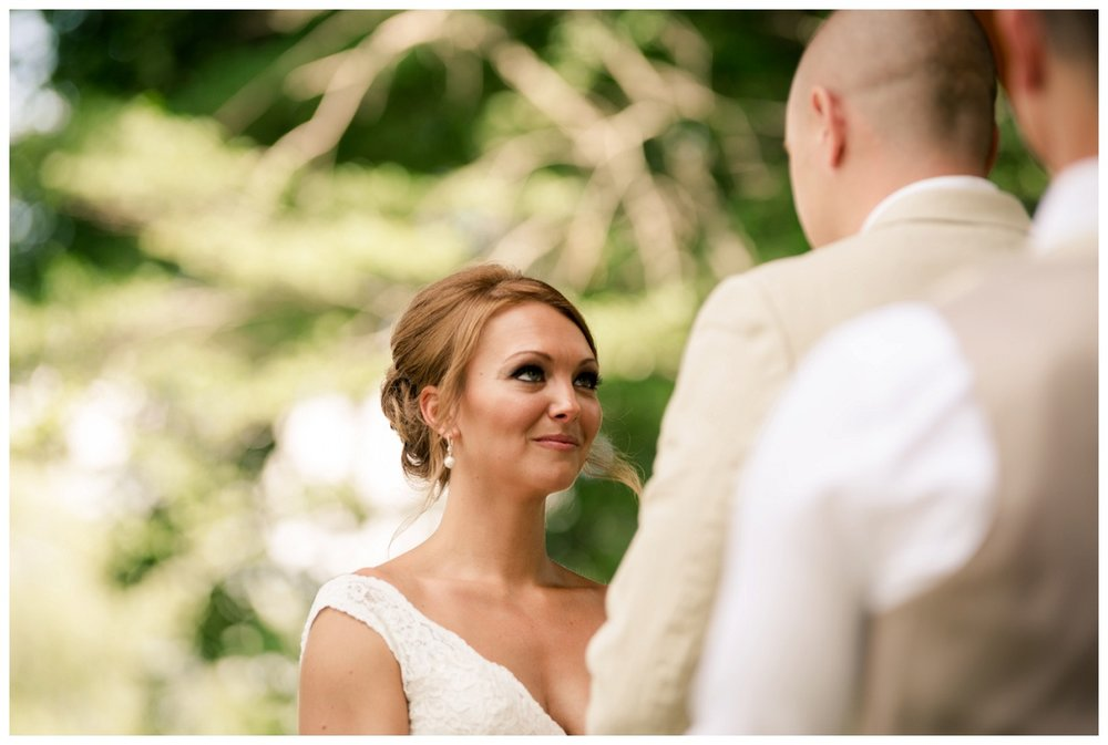 Cleveland Wedding Photographers Ashley and Todd_0030.jpg