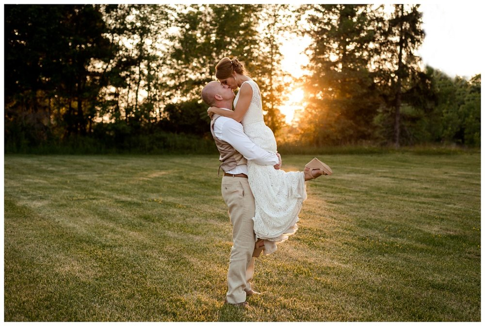 Cleveland Wedding Photographers Ashley and Todd_0105.jpg